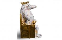 Roi Sculpture Résine polyester Peinture polyurethane et feuille d'or 38cmX20cmX22cm